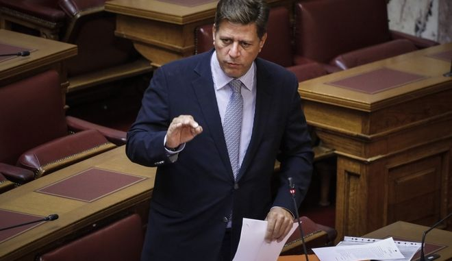 Ο Μιλτιάδης Βαρβιτσιώτης στην αίθουσα της Ολομέλειας
