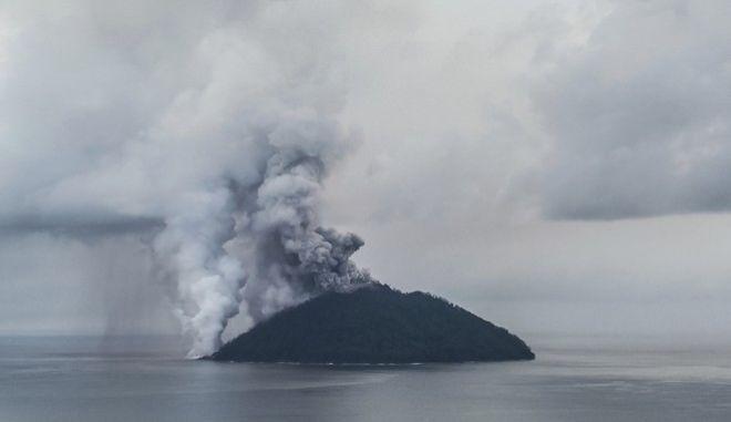 Έκρηξη σε νησί της Παπούα Νέα Γουινέα τον Ιανουάριο του 2018(αρχείου)