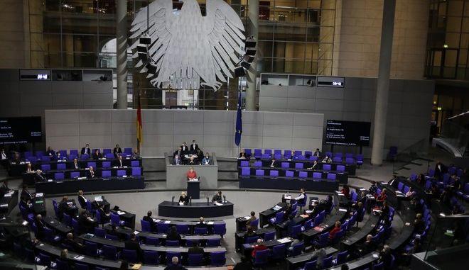 Η Άγγελα Μέρκελ στο γερμανικό κοινοβούλιο