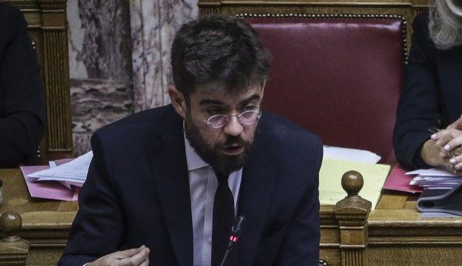 Ο υπουργός Δικαιοσύνης, Μιχάλης Καλογήρου στη Βουλή