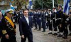 Ο Αρχηγός ΓΕΕΘΑ Ναύαρχος Αποστολάκης, που θα ορκιστεί Υπουργός Εθνικής Άμυνας στην θέση του Πάνου Καμμένου, με τον Πρωθυπουργό Αλέξη Τσίπρα