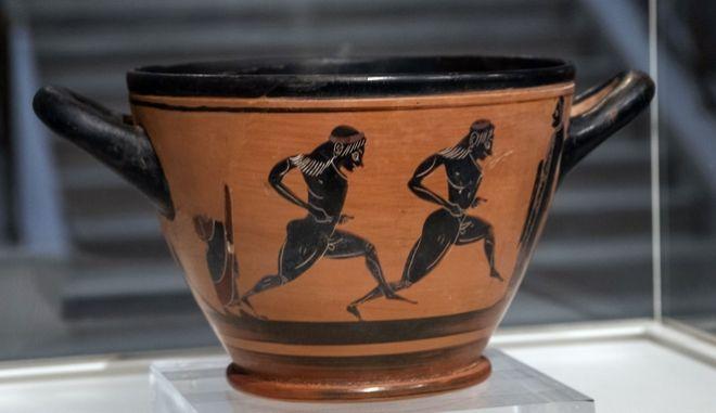 Στην Ελλάδα ο μελανόμορφος σκύφος του 6ου αιώνα π.Χ. - Έπαθλο του Σπύρου Λούη