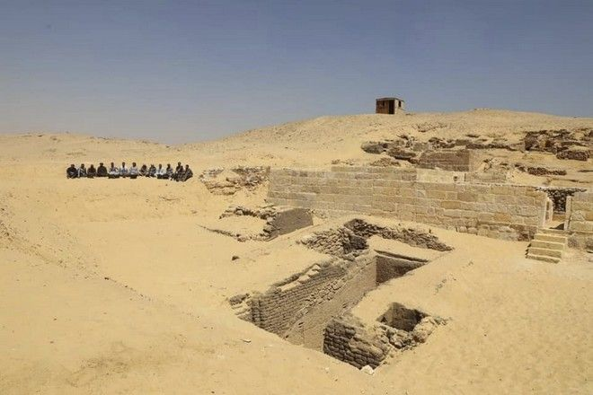 Εικόνα από τη νεκρόπολη που ανακαλύφθηκε στη Γκίζα
