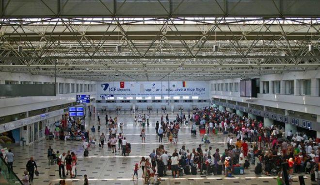 Πανικός στο αεροδρόμιο της Αττάλειας, από Σύρο που φώναξε 'Αλάχου Άκμπαρ'