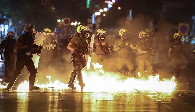 Ενταση στην Θεσσαλονίκη και κατά τη διάρκεια της πορείας για τη δολοφονία Φύσσα