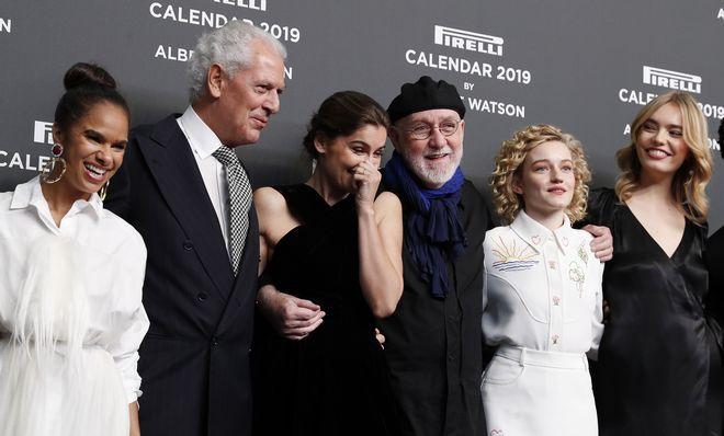 Ο Πρόεδρος της  Pirelli Marco Trochetti Provera, με τον φωτογράφο και τις πρωταγωνίστριες του ημερολογίου για το 2019