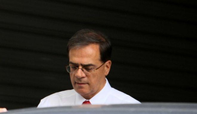 Η πορεία ολοκλήρωσης του δεύτερου πακέτου με τα έξι προαπαιτούμενα είναι στο επίκεντρο συνάντησης που  είχε την Τετάρτη 16 Ιουλίου 2014, ο υπουργός Οικονομικών, Γκίκας Χαρδούβελης (φωτό), με τους εκπροσώπους της τρόικας. Επί τάπητος τέθηκαν και τα αποτελέσματα των έως τώρα επαφών των εκπροσώπων των δανειστών με τους υπόλοιπους υπουργούς της κυβέρνησης που εμπλέκονται στα προαπαιτούμενα και στις άλλες μνημονιακές δράσεις.  (EUROKINISSI/ΤΑΤΙΑΝΑ ΜΠΟΛΑΡΗ)