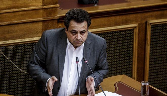 Ο υφυπουργός Ναυτιλίας, Νεκτάριος Σαντορινιός
