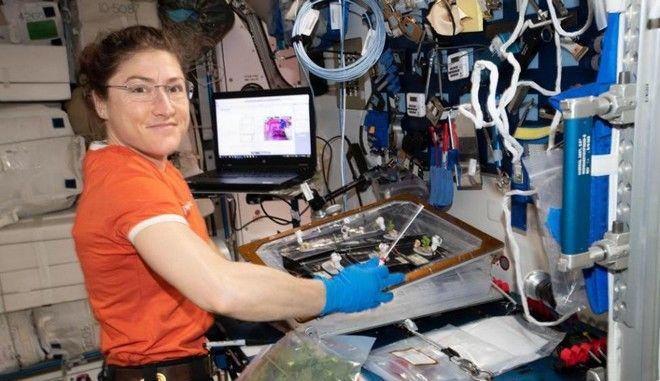 Η αστροναύτης Κριστίνα Κοχ θα σπάσει το παγκόσμιο γυναικείο ρεκόρ διαστημικής πτήσης