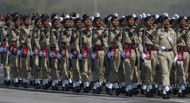 Πακιστανοί στρατιώτες σε παρέλαση το 2018