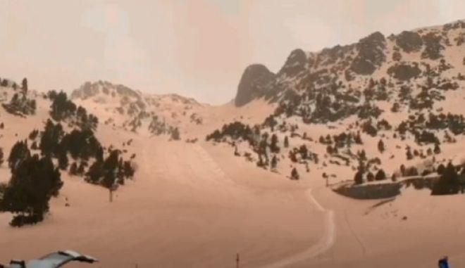 Κίτρινο χιόνι στην Ελβετία και την Ανδόρρα