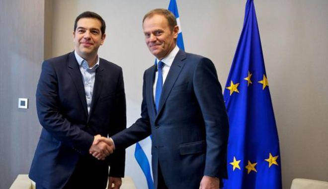 Συνάντηση Τσίπρα - Τουσκ πριν τη Σύνοδο Κορυφής. Χρόνο ζητά η Ελλάδα