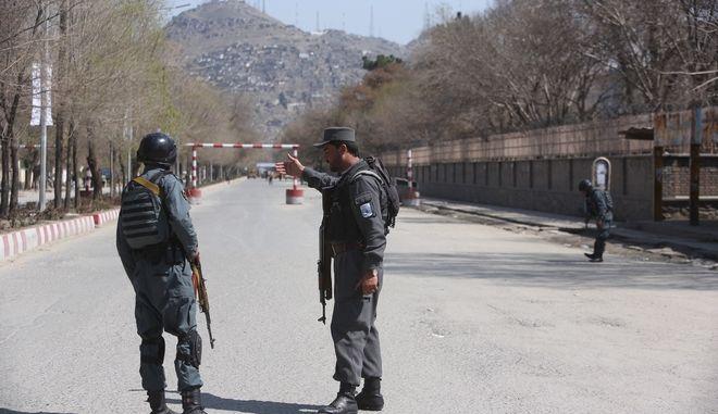 Διπλή έκρηξη στο κέντρο της Καμπούλ με τρεις τραυματίες