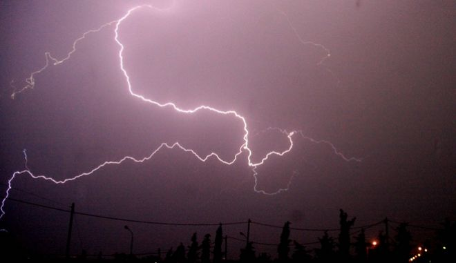 Κακοκαιρία, κεραυνός στον ουρανό (φωτογραφία αρχείου)
