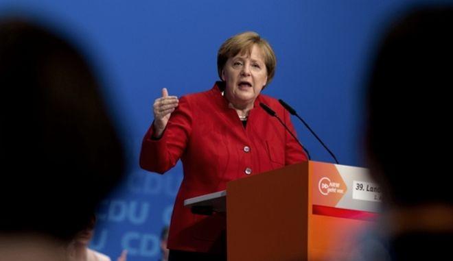 Γερμανία: Προβάδισμα 4 μονάδων για τους συντηρητικούς της Μέρκελ