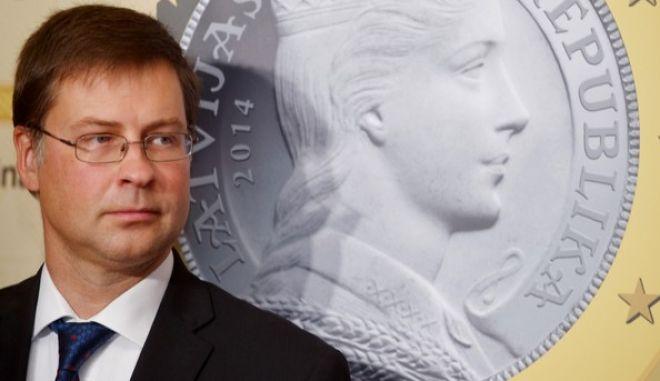 Χρησμοί Ντομπρόσβκις για 4ο μνημόνιο, ΔΝΤ, ασφαλιστικό και η ερμηνεία του Μαξίμου