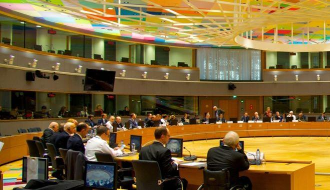 Η 'μαύρη λίστα' της ΕΕ με τους φορολογικούς παραδείσους του κόσμου