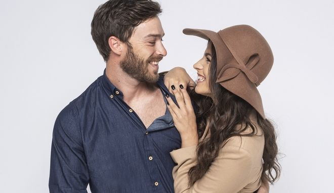 Ο ηθοποιός Στέφανος Μιχαήλ και η συμπρωταγωνίστριά του στο «Τατουάζ», Δανάη Παππά