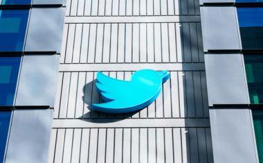 """Ομολογία από το Twitter: Παραδέχτηκε ότι ο αλγόριθμος προωθεί τη Δεξιά  και """"κόβει"""" την Αριστερά"""
