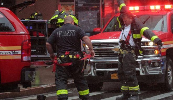 Συνετρίβη ελικόπτερο σε κτίριο στο Μανχάταν