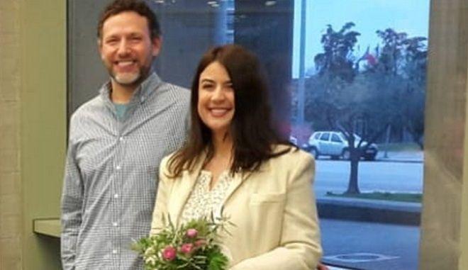 Γάμος χωρίς καλεσμένους, αλλά με πολλή αγάπη για τη Μαρίνα και τον Μάικ