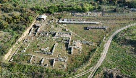 Σπουδαία ανακάλυψη στην αρχαία Αμφίπολη: Το μυστήριο του βασιλικού τάφου, πώς σχετίζεται με τον Μ. Αλέξανδρο