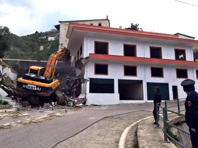 ΥΠΕΞ κατά Αλβανίας για τις κατεδαφίσεις στη Χειμάρρα