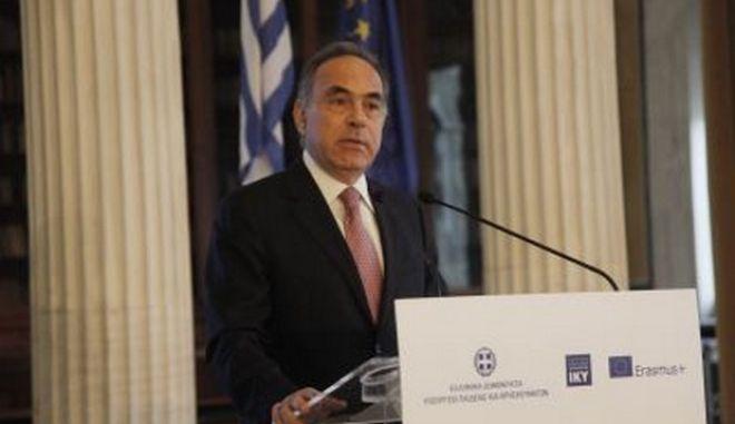 Αρβανιτόπουλος: Επιμηκύνεται κατά 15 μέρες η σχολική χρονιά