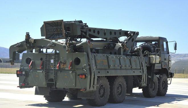 Μεταφορά οπλικών συστημάτων S-400