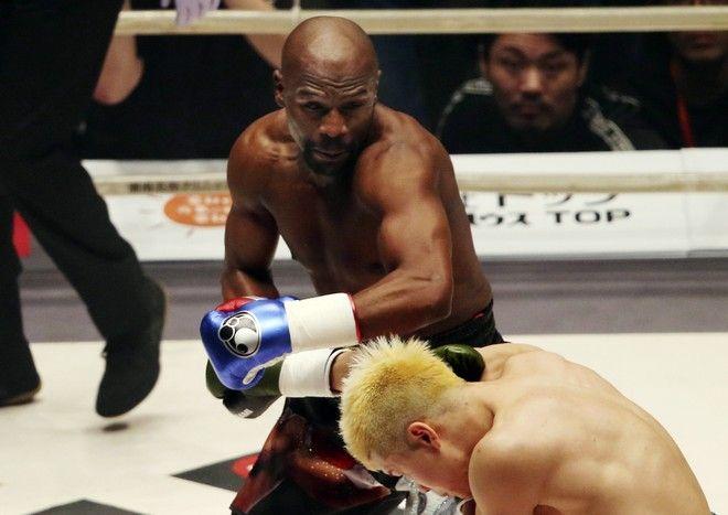 Ο Floyd Mayweather Jr. έβγαλε νοκ άουτ τον ιάπωνα Tenshin Nasukawa σε δύο λεπτά!
