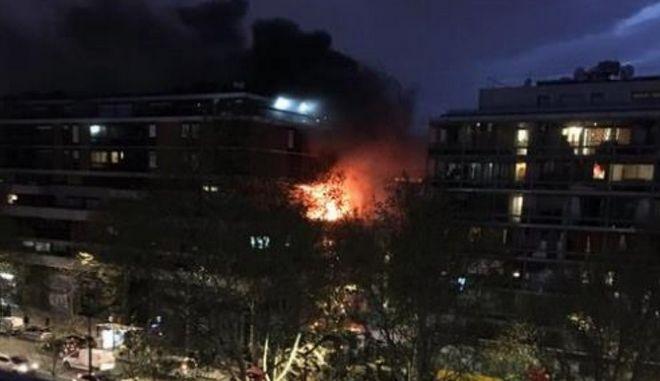 Βίντεο: Ισχυρή έκρηξη σε πολυόροφο κτίριο στο Παρίσι