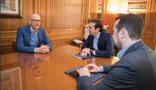 Τσίπρας με Deutsche Telekom: Ψήφος εμπιστοσύνης για επενδύσεις 2 δισ