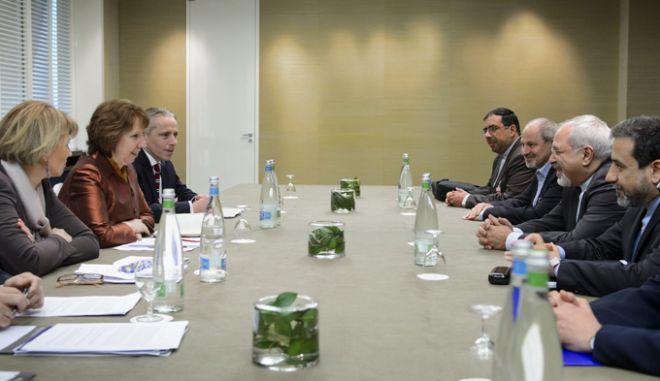 Σε συμφωνία για τα πυρηνικά κατέληξε το Ιράν με τις έξι παγκόσμιες δυνάμεις στις συνομιλίες της Γενεύης