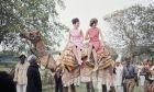 Όταν η Τζάκι Κένεντι ανέβαινε στην πλάτη μιας καμήλας