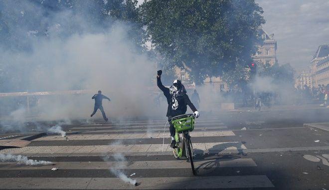 Επεισόδια αστυνομικών με αντιρατσιστές ακτιβιστές στο Παρίσι