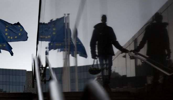 Άντρας κατεβαίνει σκάλες στις Βρυξέλλες