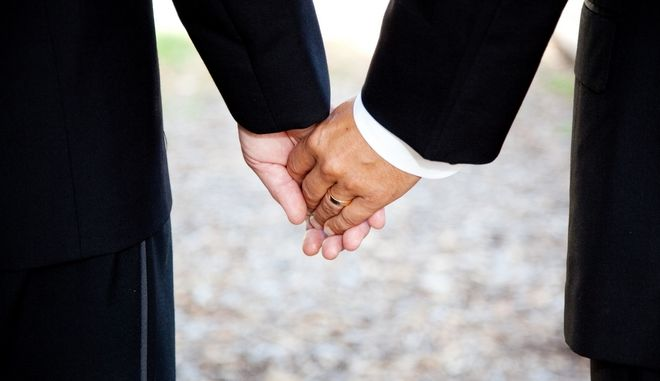 Ελβετία: Δημοψήφισμα για τον γάμο των ομοφυλόφιλων