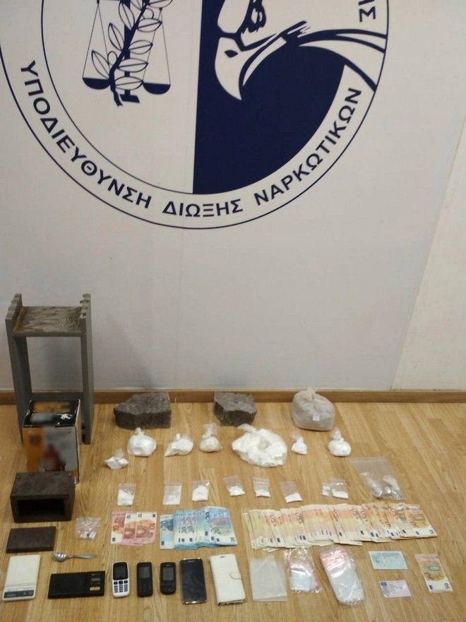 Αθεόφοβοι: Έκρυβαν την κοκαΐνη πίσω από την εικόνα της Παναγίας