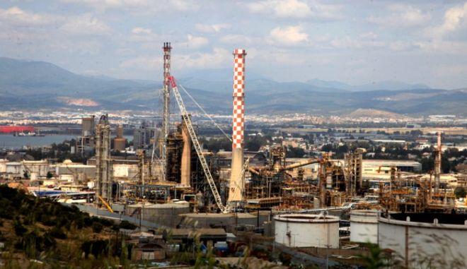 """Φωτιά στα ΕΛΠΕ: """"Να αποδοθούν ευθύνες εδώ και τώρα"""", ζητά ο Λαφαζάνης"""
