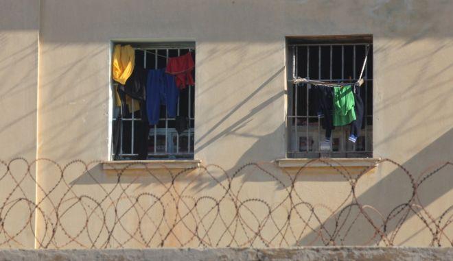 Στοιχειώδη δικαιώματα για τους οροθετικούς κρατούμενους