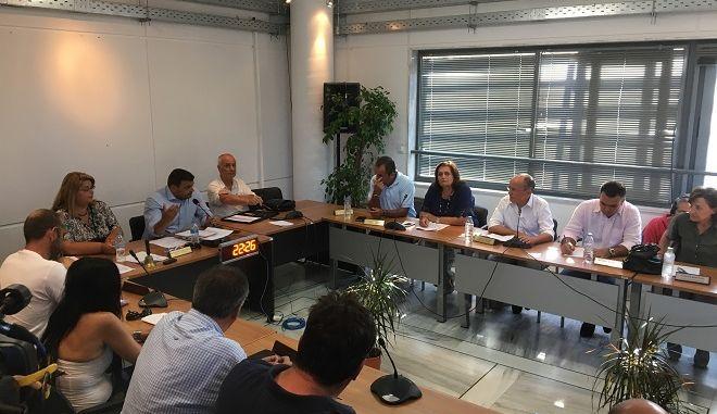 Χωρίς τον Ηλία Ψινάκη το Δημοτικό Συμβούλιο στον Μαραθώνα