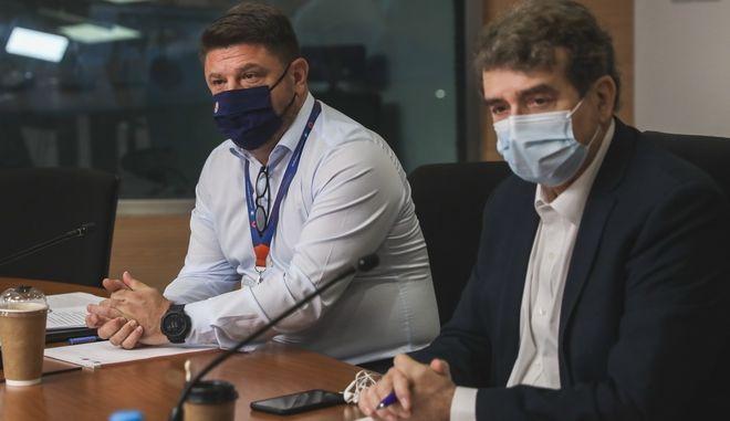 Έκτακτη συνέντευξη τύπου για τον καύσωνα