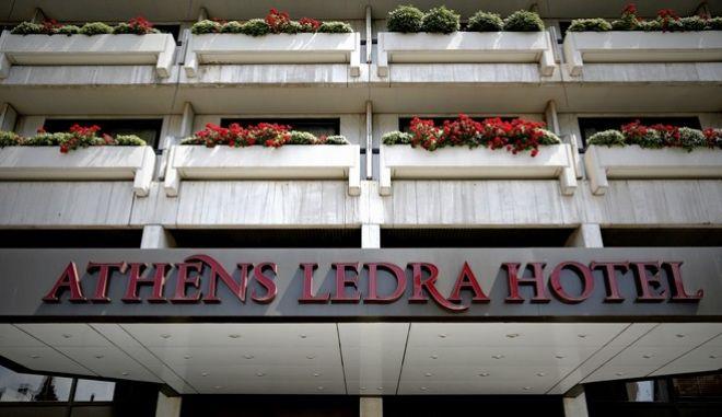 Βγαίνει στο σφυρί το Athens Ledra. Πυρά Νεφελούδη κατά των ιδιοκτητών