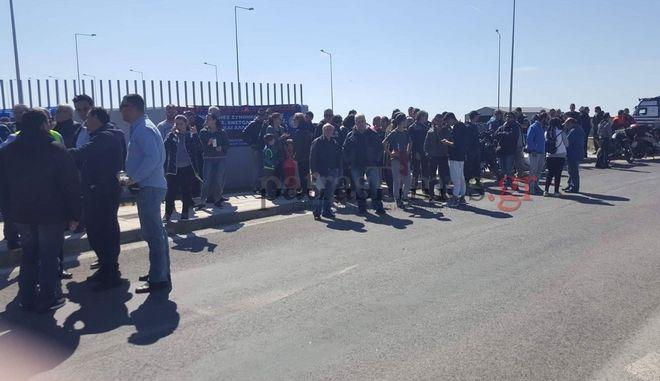 Διαμαρτυρία στο λιμάνι της Πάτρας για το προσφυγικό
