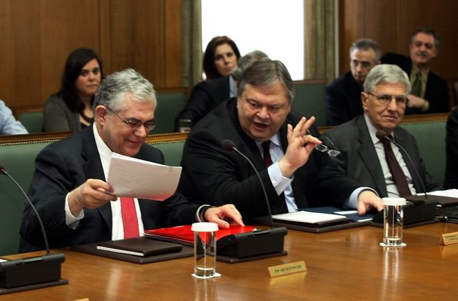 Στιγμιότυπο από την συνεδρίαση του Υπουργικού Συμβουλίου,μετά την ολοκλήρωση της αναδιάρθρωσης του Ελληνικού χρέους (PSI) ,Παρασκευή 9 Μαρτίου 2012 (EUROKINISSI/ΓΙΑΝΝΗΣ ΠΑΝΑΓΟΠΟΥΛΟΣ)
