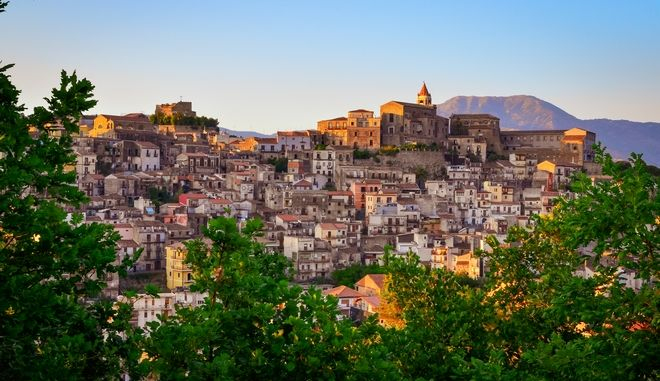 Το χωριό Καστιλιόνε ντι Σισίλια