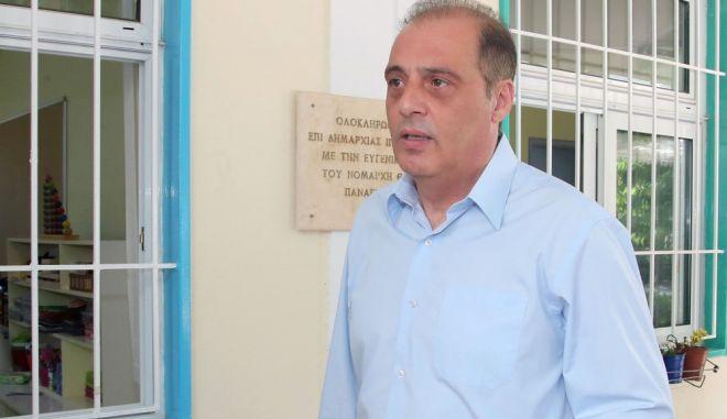 Ο Κυριάκος Βελόπουλος κατά την άσκηση του εκλογικού δικαιώματός του