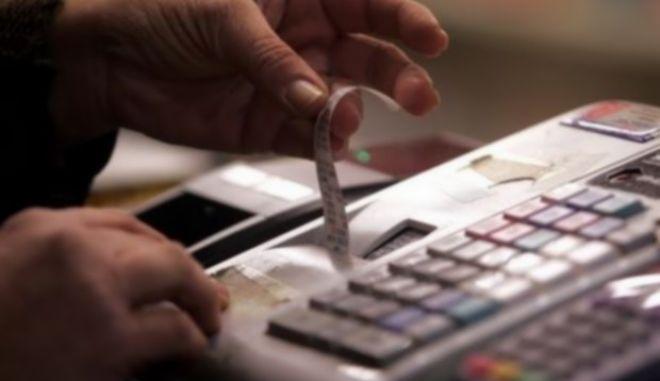Αλλαγές στον Κώδικα Φορολογικής Απεικόνισης: Ποιοι δεν θα εκδίδουν αποδείξεις