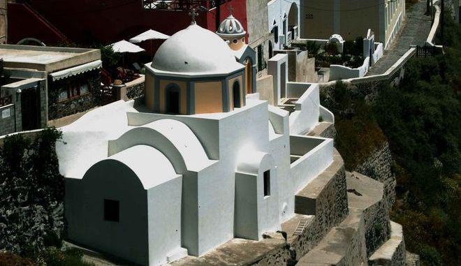 Εκκλησία στη Σαντορίνη