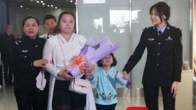 Έψαχναν την χαμένη τους κόρη για 24 χρόνια